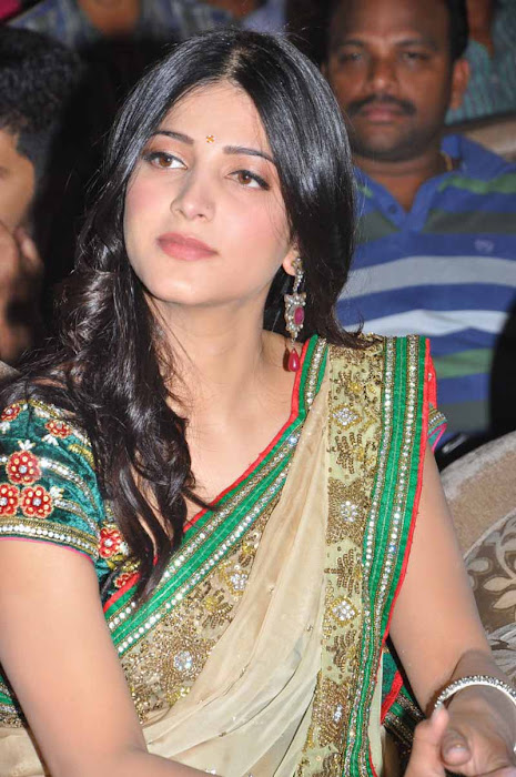 shruti han new spicy in 3 movie audio launch event photo gallery