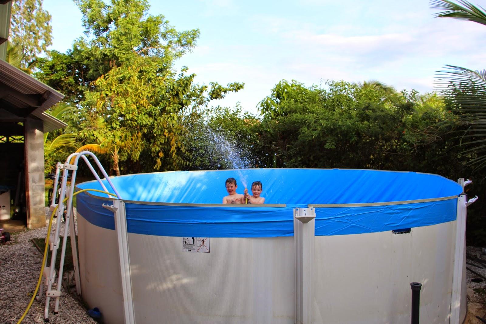 Ty breizh en guyane les travaux de la piscine for Travaux piscine