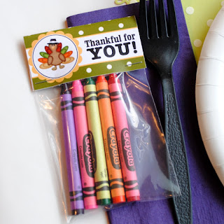 http://sweetmetelmoments.blogspot.com/2011/11/thanksgiving-kids-table-and-free.html