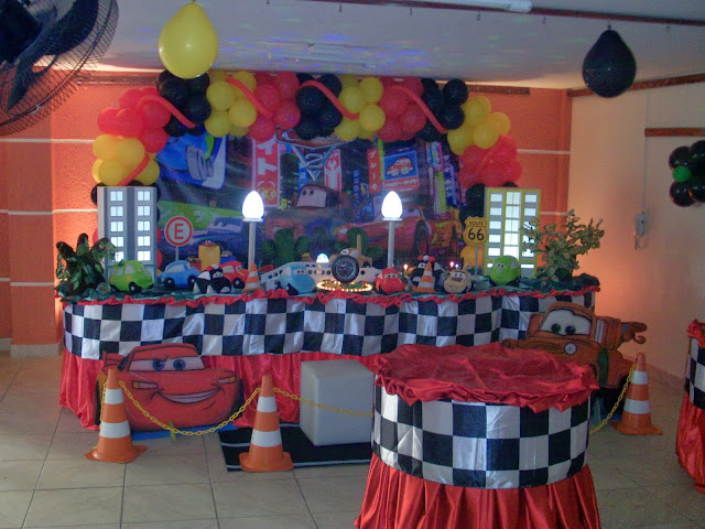 Tema Carros - decoração de aniversário infantil para meninos