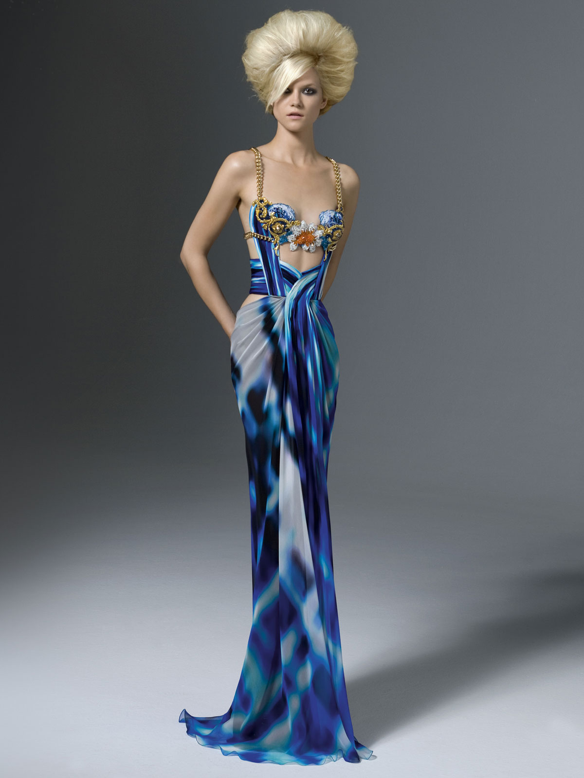 Paris atelier versace ready to wear collection 2012 13 for Couture clothing