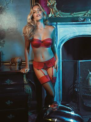 Sylvie sexy in kousen!