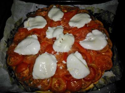 Tomato & Mozzerella Pie