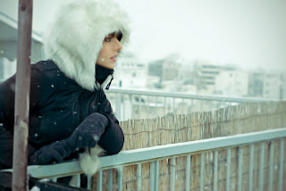 Glamour Winter Girl Photo HD Wallpaper