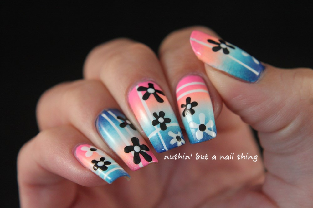 nuthin\' but a nail thing: Flower gradient nail art