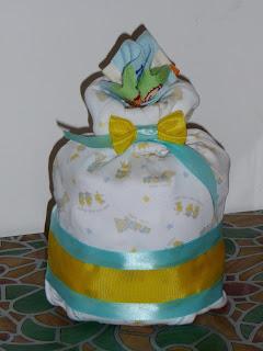 torta di pannolini, regalo neonati, body