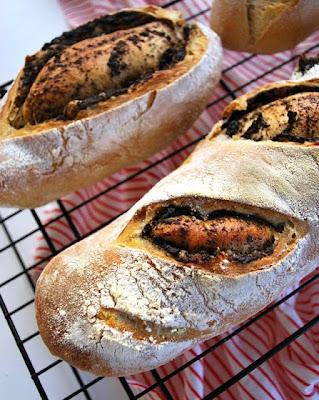 http://sugg-r.blogspot.com.es/2012/01/pan-de-centeno-y-tapenade.html