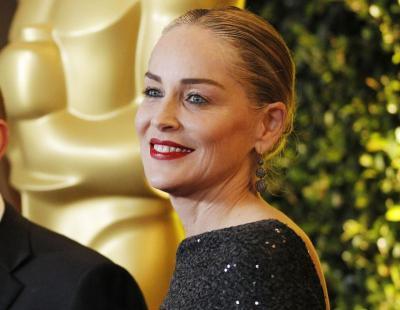 Sharon Stone akui rasa hodoh selepas pembedahan