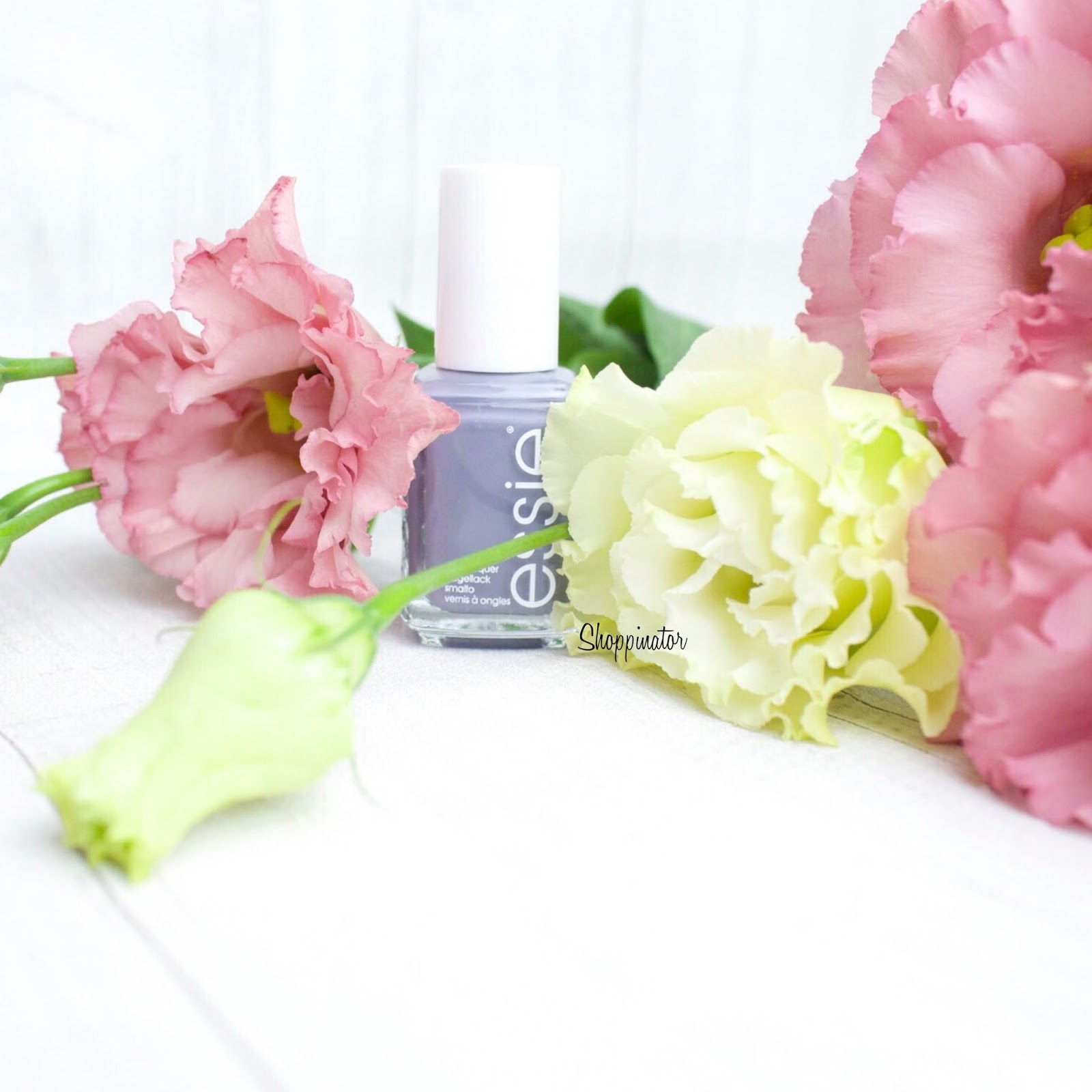 essie-spring-le-frühling-swatches-swatch-review-flowerista-lila-flowers-nagellack-nailpolish-limitiert-notd-nailoftheday-shoppinator-pedal-pushers
