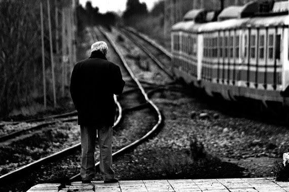 Yalnızlığımın peronu