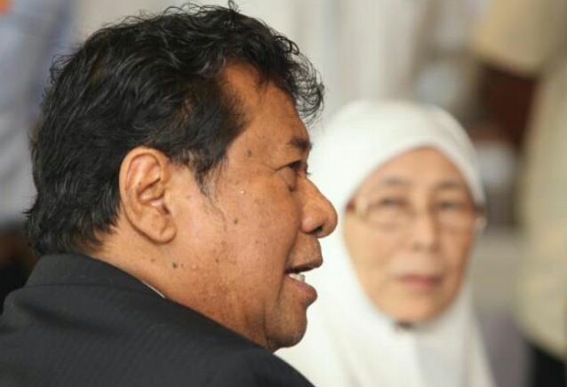 MSTAR ONLINE PKR Didakwa Paksa Adun Tandatangan Akuan Sumpah Hilang Kepercayaan kepada Khalid