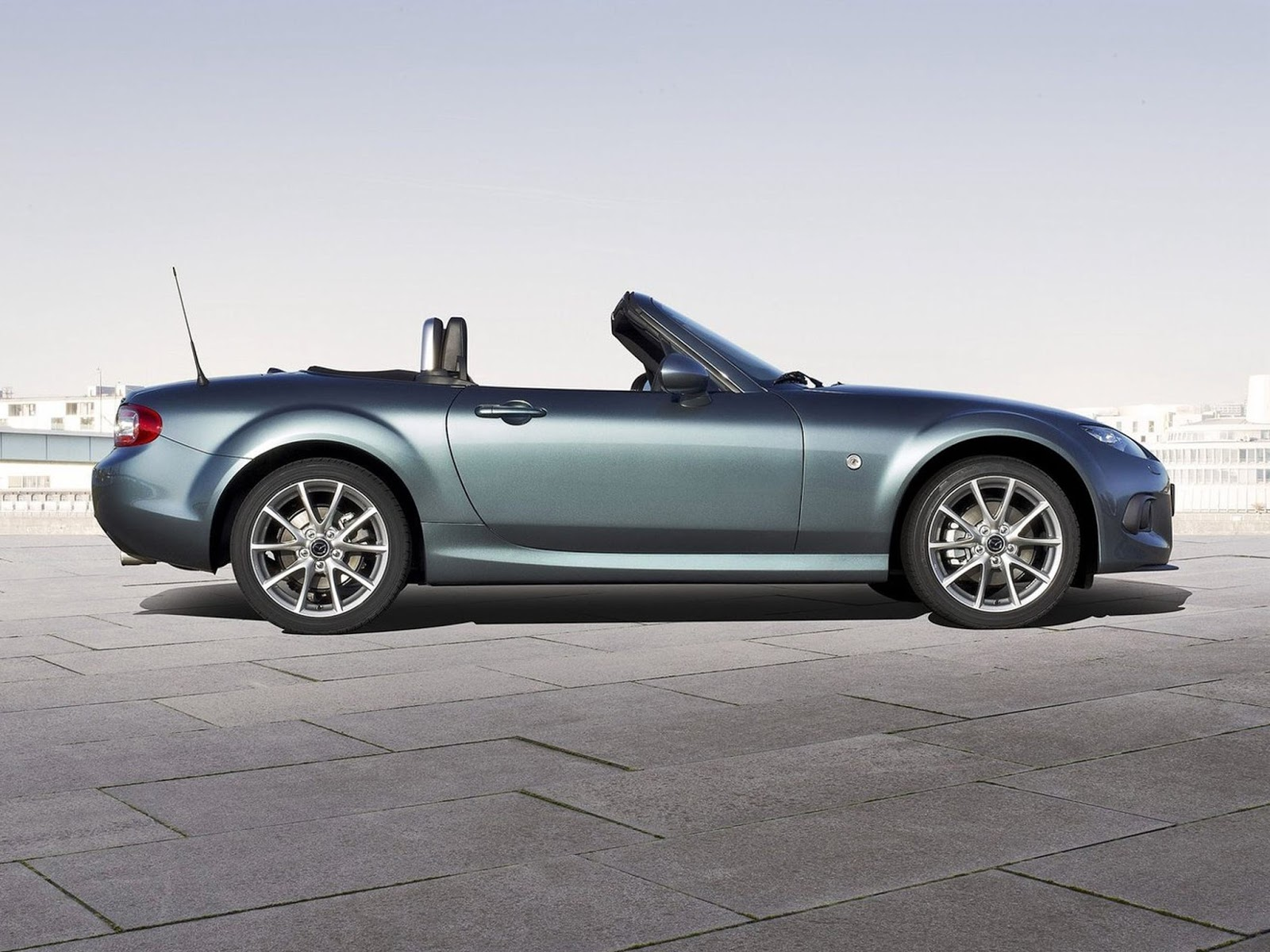 mazda mx 5 miata sport convertible hd photos car prices photos specs. Black Bedroom Furniture Sets. Home Design Ideas
