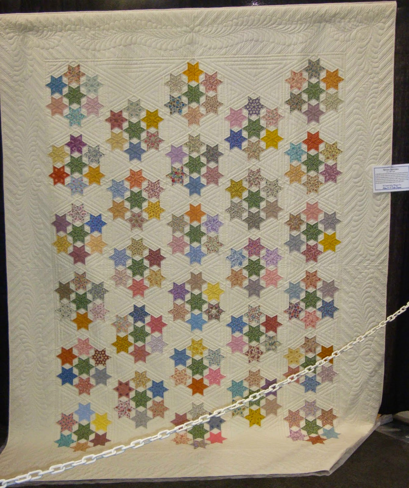 FABRIC THERAPY: 2014 AQS Grand Rapids Quilt Show...Part Five... : grand rapids quilt show - Adamdwight.com