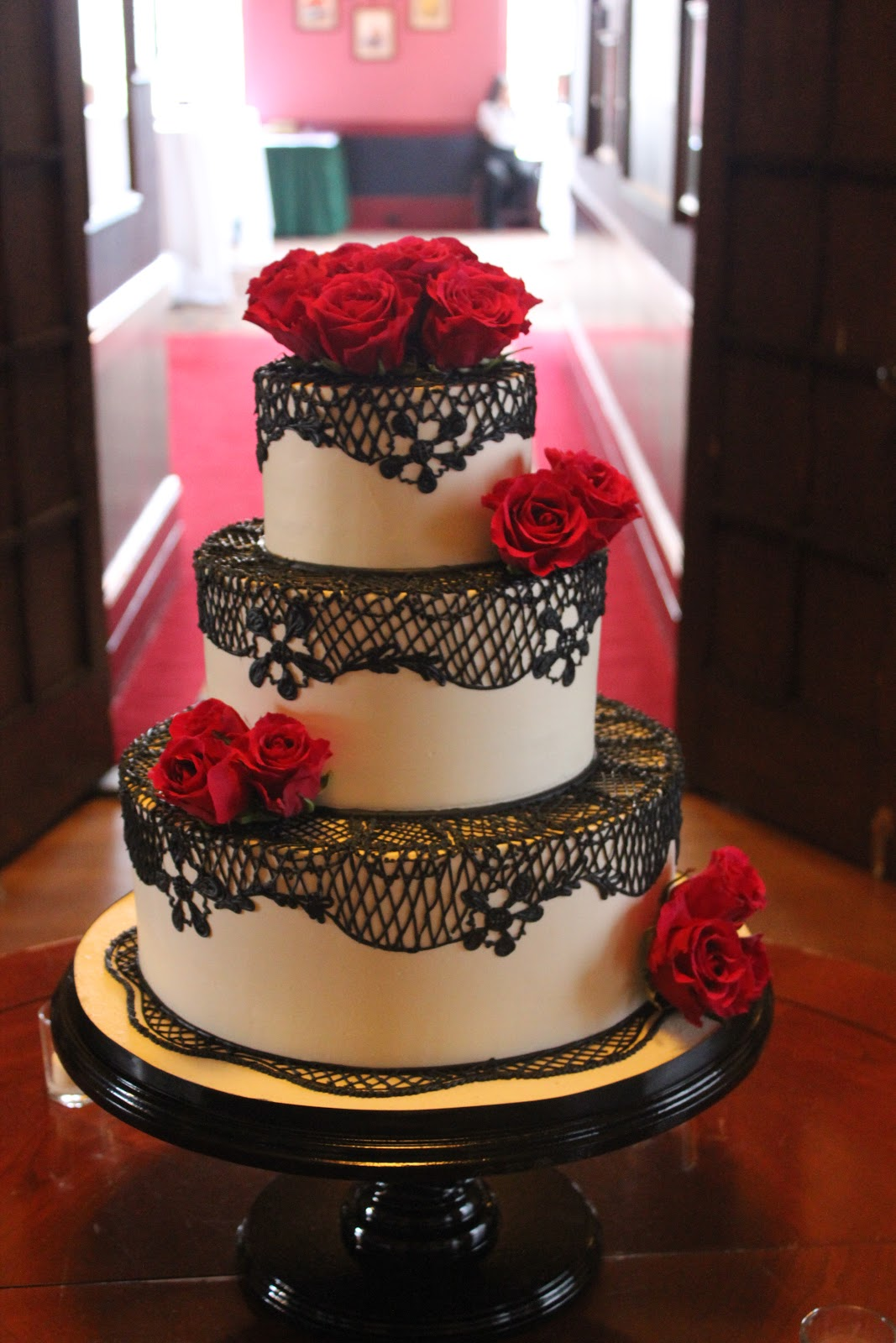 Simple Red Black And White Wedding Cakes Viewing Gallery