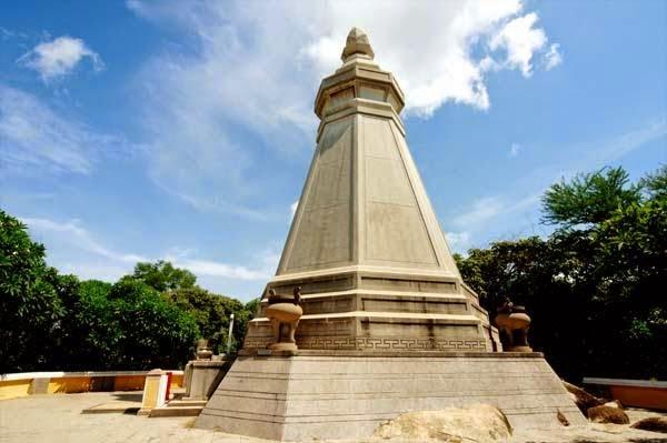 tháp bát giác chùa thích ca phật đài