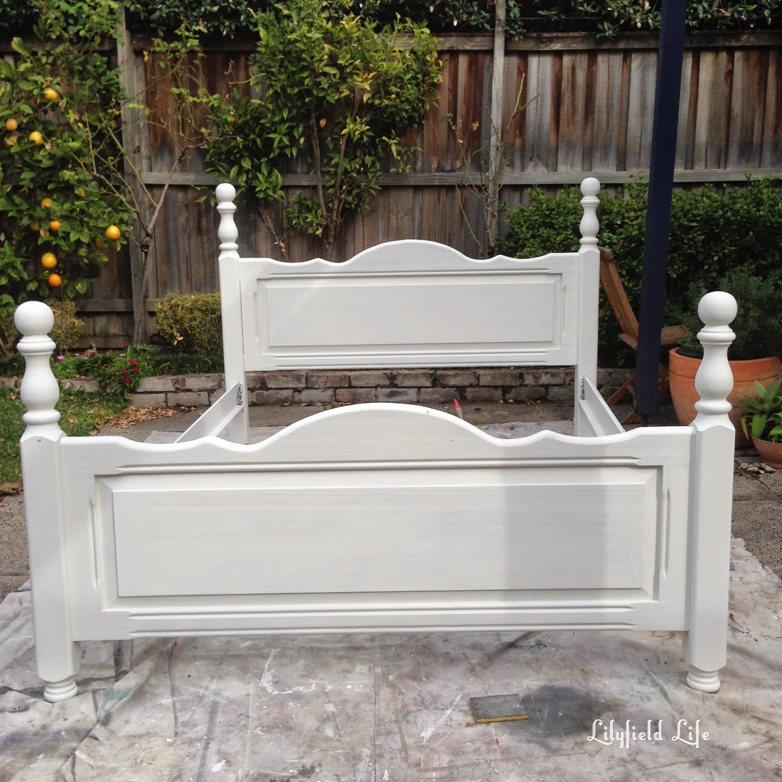 Lilyfield Life white painted bed Porters Chalk Emulsion