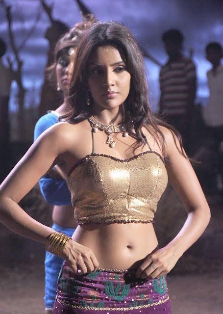 Priya Anand Hot Navel Show Veronica Warning