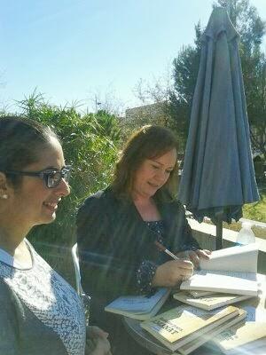 """Castellón. Lectura del relato ganador del libro """"Relatos para Amanat"""""""