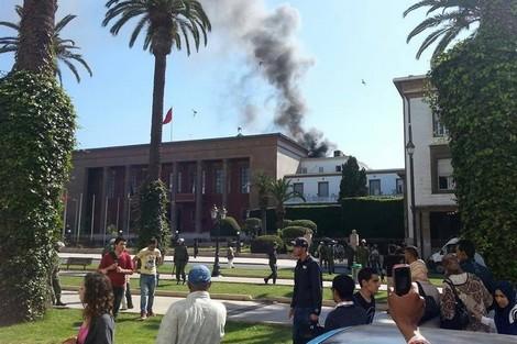Pequeño incendio en la terraza del Parlamento