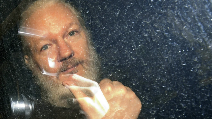 Podpořte nominaci Juliana Assange