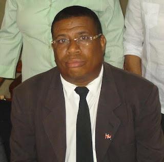 Hipólito Candelario lamenta fallecimiento del padre de la secretaria del Juzgado de Instrucción de SC