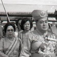 Yang Di Pertuan Agong dan Raja Permaisuri Agong Keenam