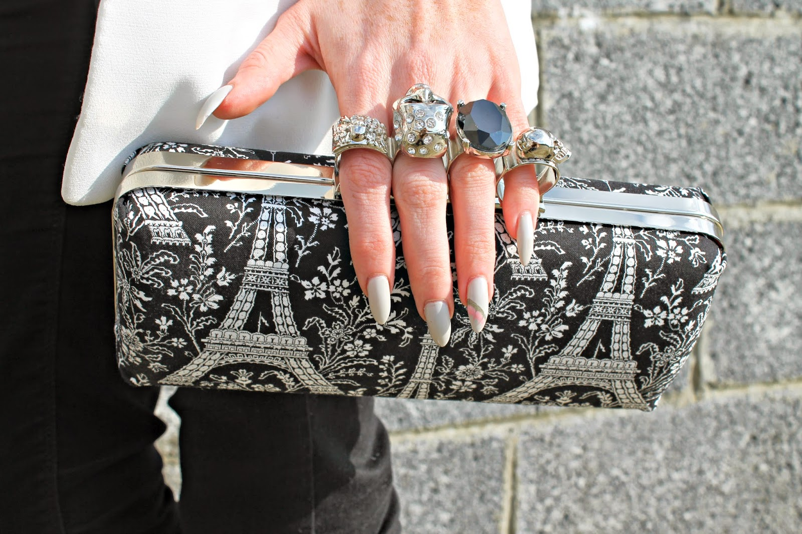 gothica clutch LP Designed 4 You blog