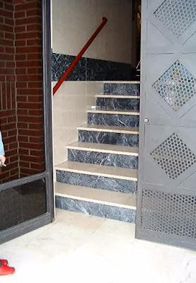 Error en la escalera del portal