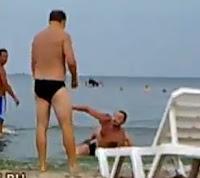 Borrachos en la playa