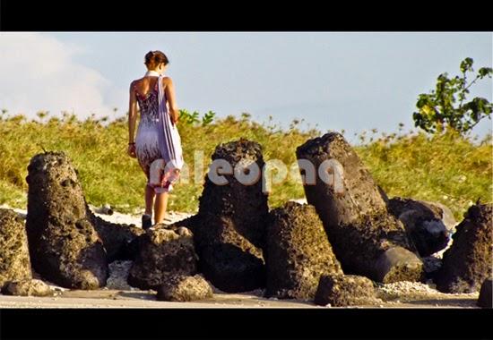 Wisatawan dari luar negeri yang berlibur di Bali juga mengunjungi tempat wisata Pantai Jerman di Bali ini.