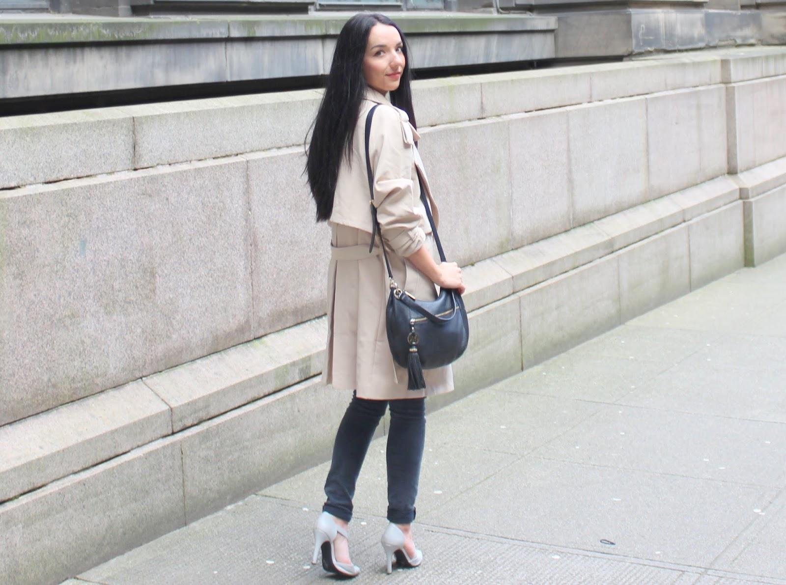 casual trench coat outfit ideas