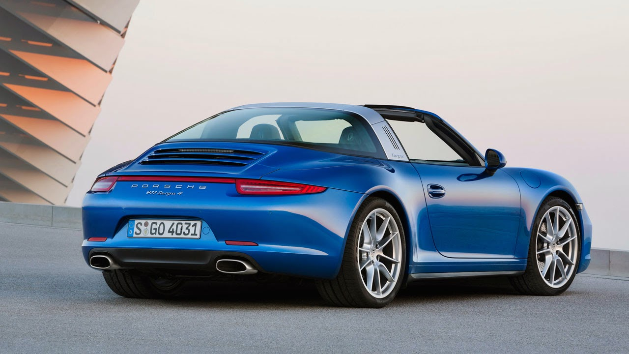 The 2014 Porsche 911 Targa 4 rear