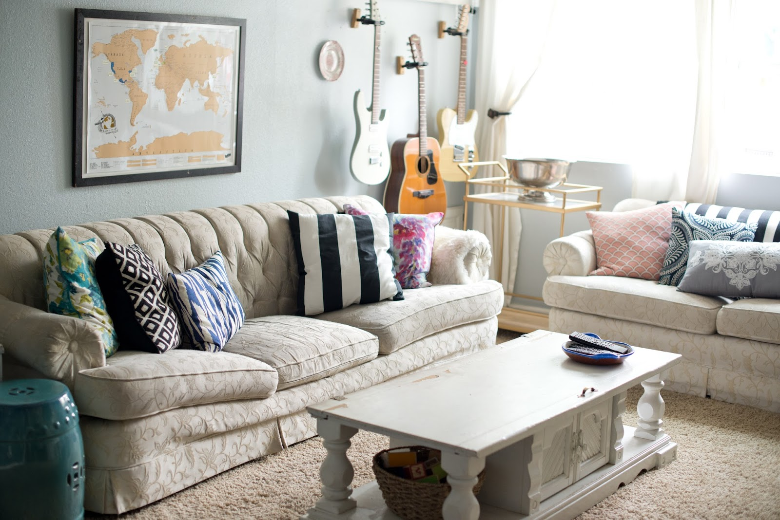 Domestic Fashionista: Life After Purging: Living Room