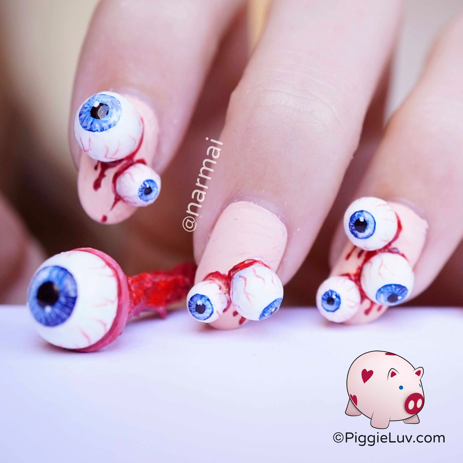 PiggieLuv: Eyeballs nail art for Halloween