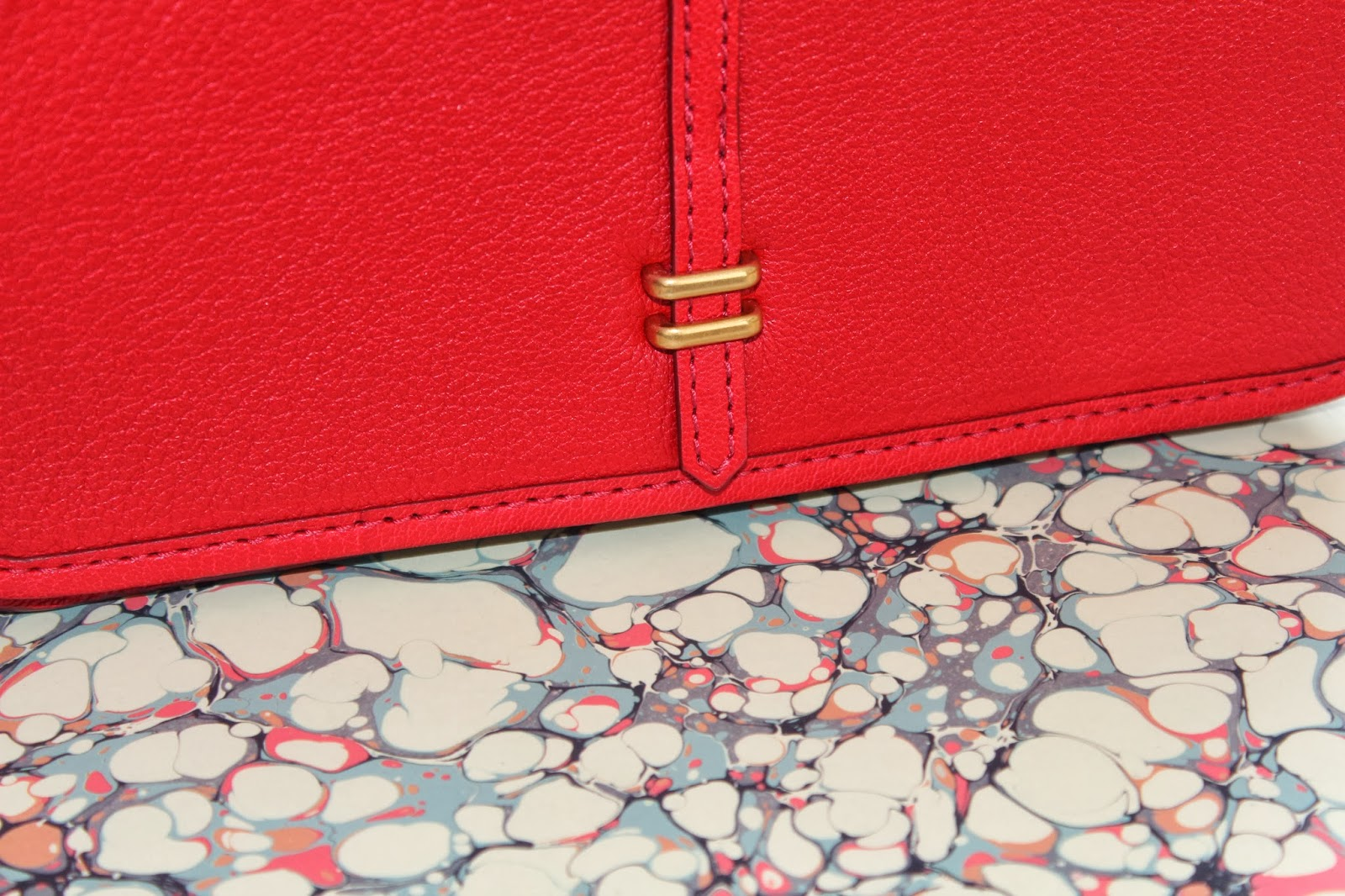 Marc by Marc Jacobs collection the Uptown Lila in Red