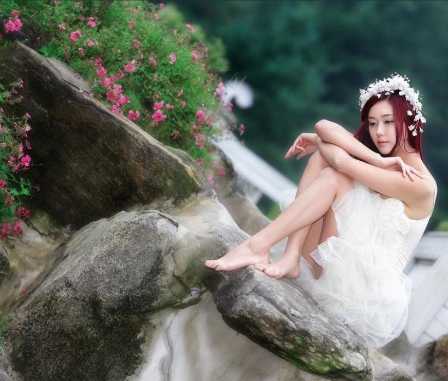 为什么你我脸上 (wèi shén me nǐ wǒ liǎn shàng) - Why our faces<br>流露无依无助 (liú lù wú yī wú zhù) - Reveal helplessness<br>爱情爱情是我的包袱 (ài qíng ài qíng wǒ dí bāo fu) - Love is my burden