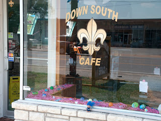Route 66 Monroes Diner Down South Cafe window troll