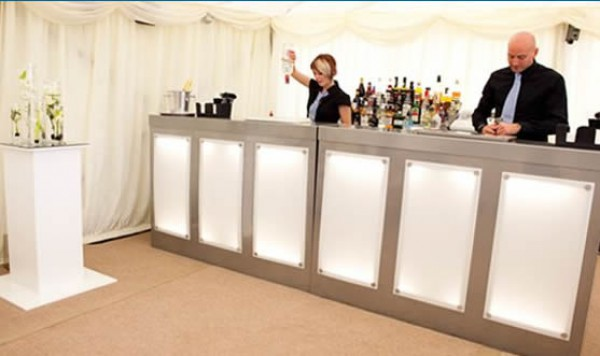 What Are The Advantages Of Mobile Bar Hire