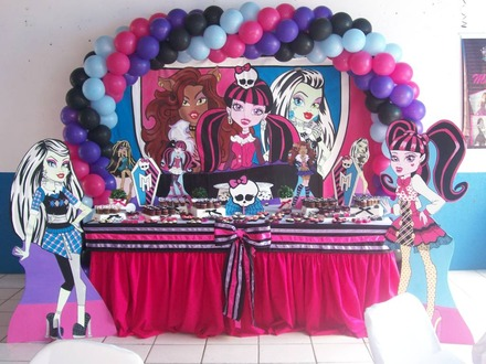 Artigos para festa da monster high