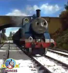 Thomas the train engine job take the kids toys and games to the town center railroad model toyshop