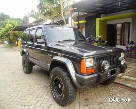 mobil bekas jeep cherokee 1996 jeep bekas barang second tapi bagus. Black Bedroom Furniture Sets. Home Design Ideas
