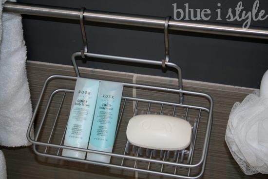 bath tub organization
