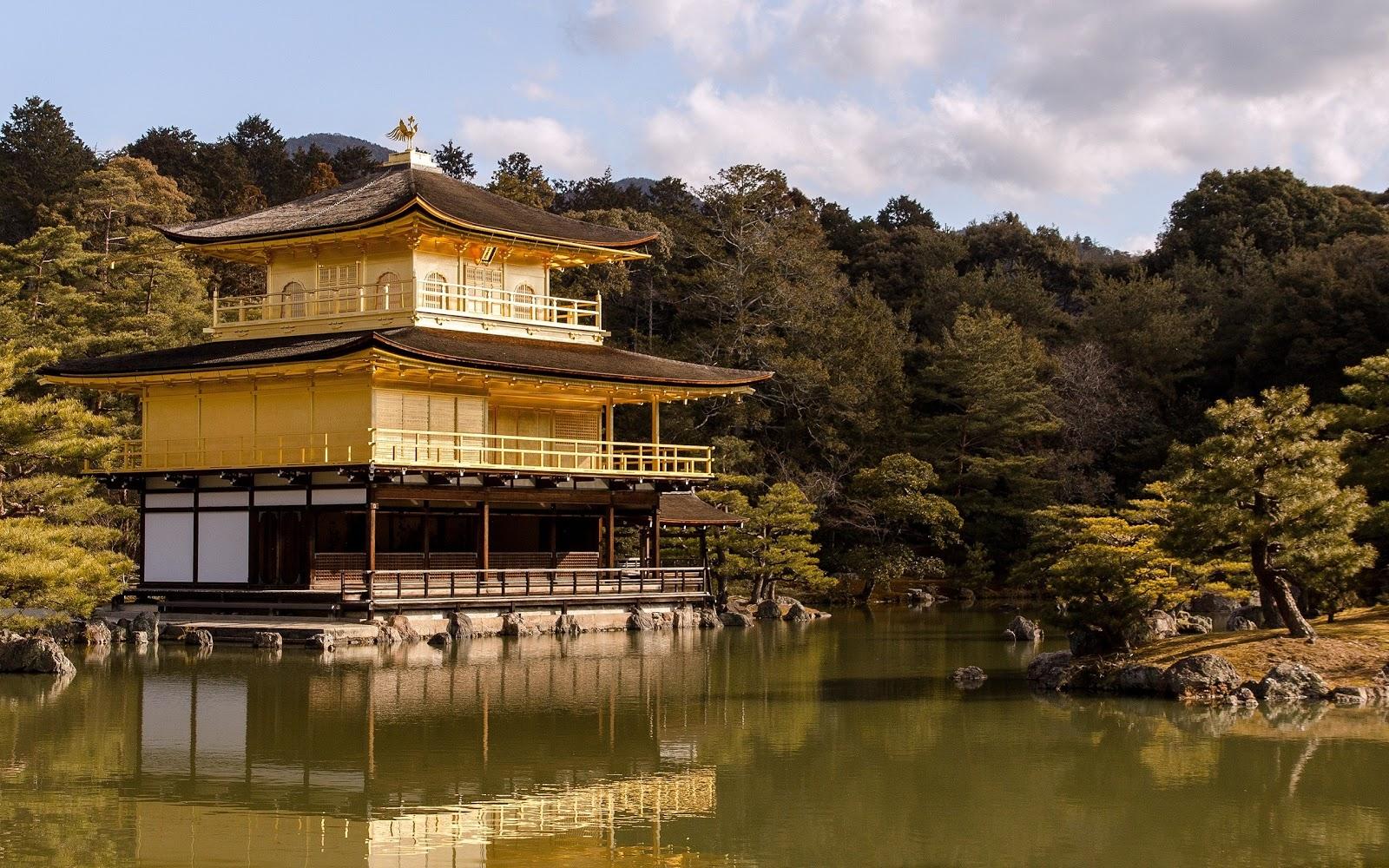 http://2.bp.blogspot.com/-EFx2MKIcQd4/T46CdIV2-EI/AAAAAAAADR0/ul8C0au-Q1E/s1600/japanese-temple-windows-8-wallpaper-2560x1600.jpg