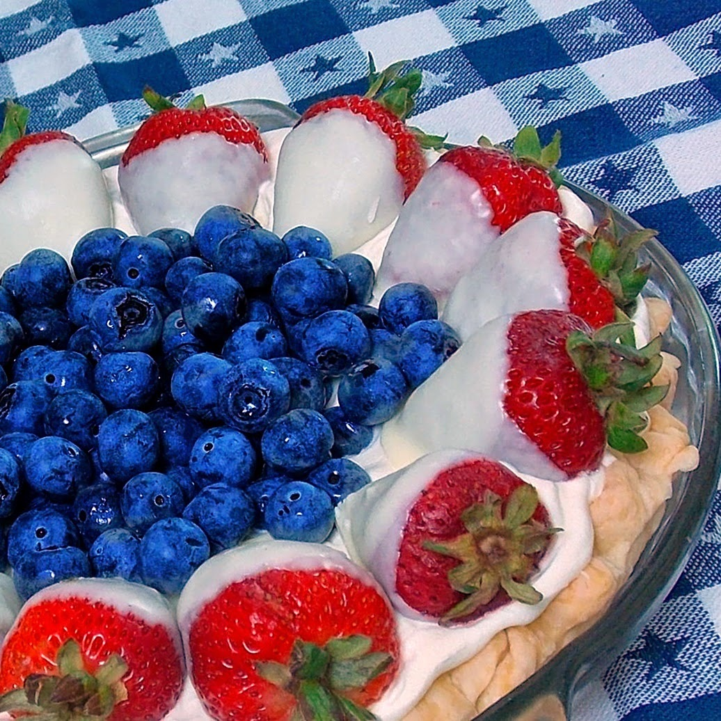 Red, White & Blueberry Pie #patriotic #pudding #strawberries #blueberries
