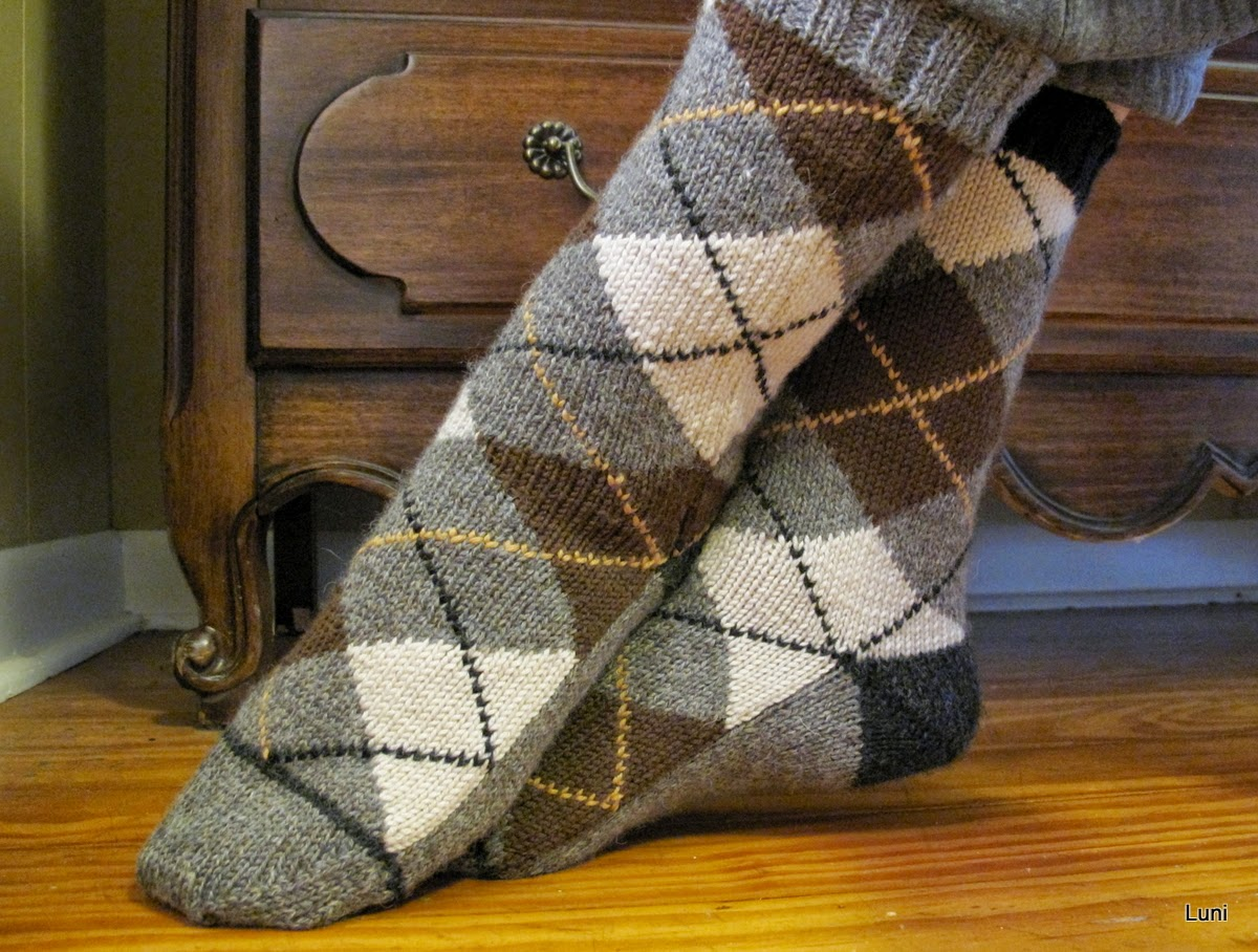 Knit Argyle Pattern : 3 Sleeves to the Wind: Knitting Argyle Socks