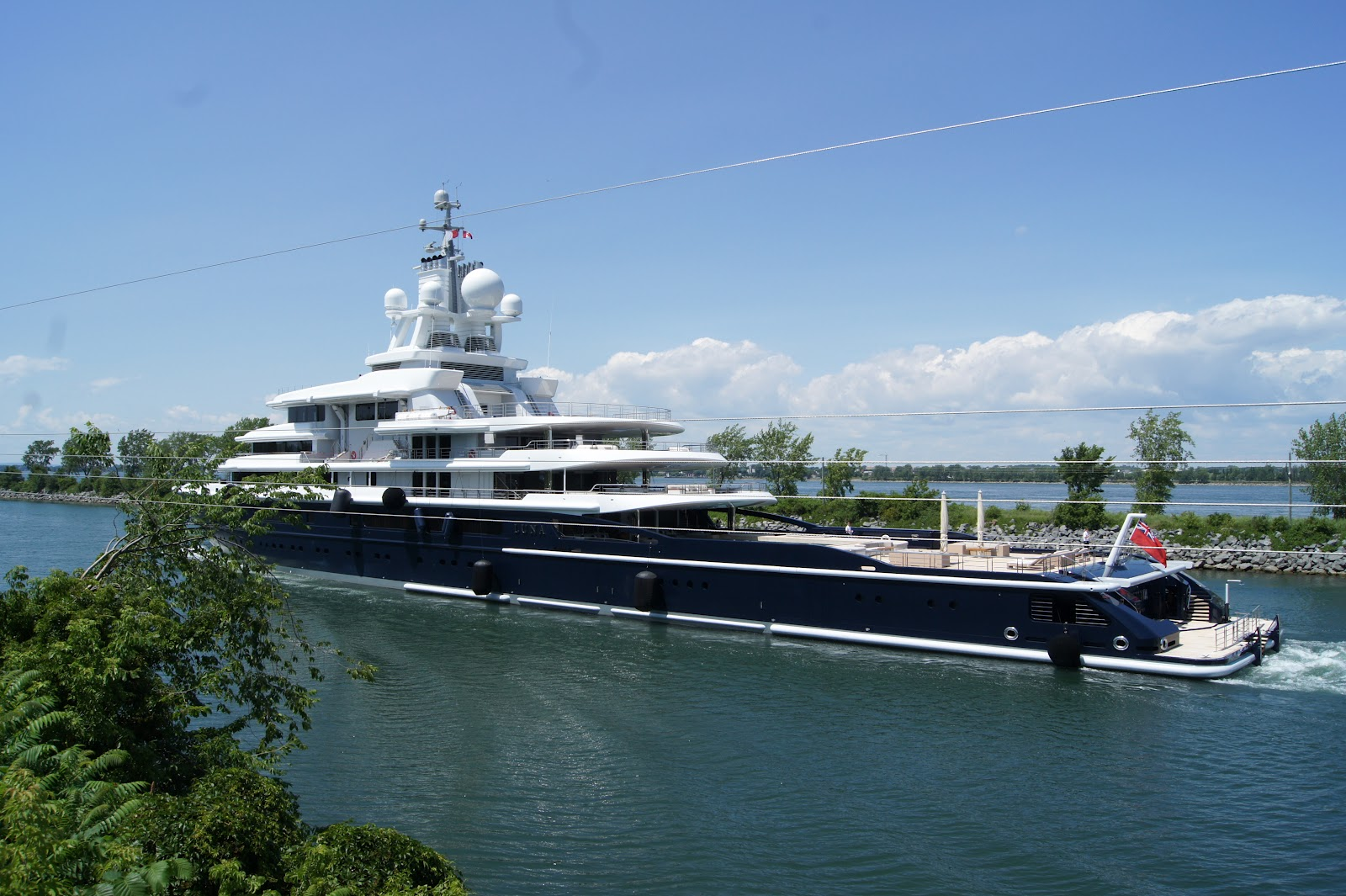 Mega yacht luna one of the world s largest yachts coming to the