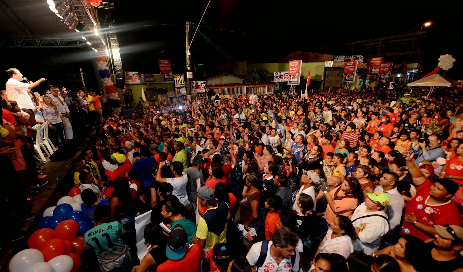 Eduardo Braga reúne 20 mil pessoas no Comício da Vitória no Jorge Teixeira