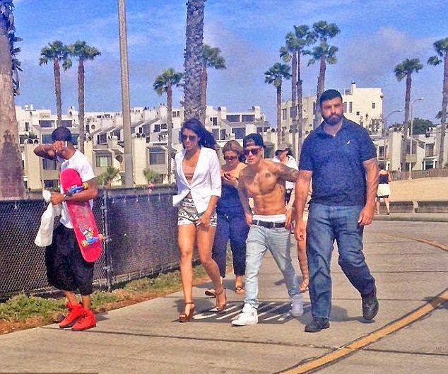 Yovanna Ventura, who smartly took her high heels off for the trek through the Venice beach, California, USA on Monday, May 5, 2014 with her new lover, Justin Bieber.