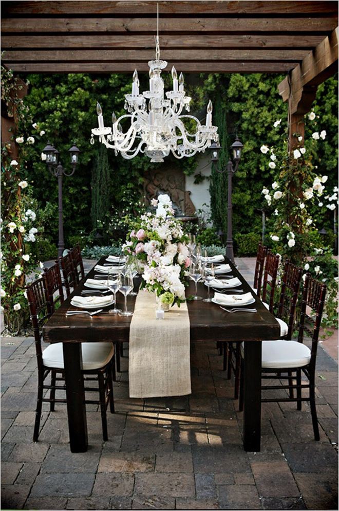 Long wedding table ideas belle the magazine for Long dining room table decor