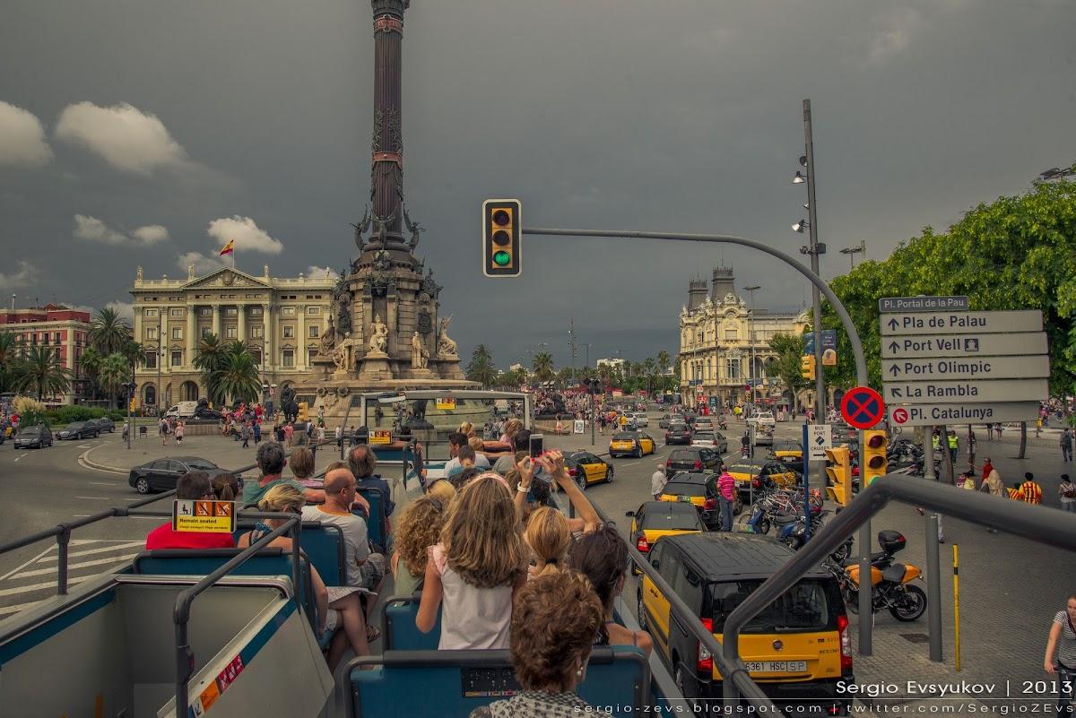 Вид с крыши туристического автобуса